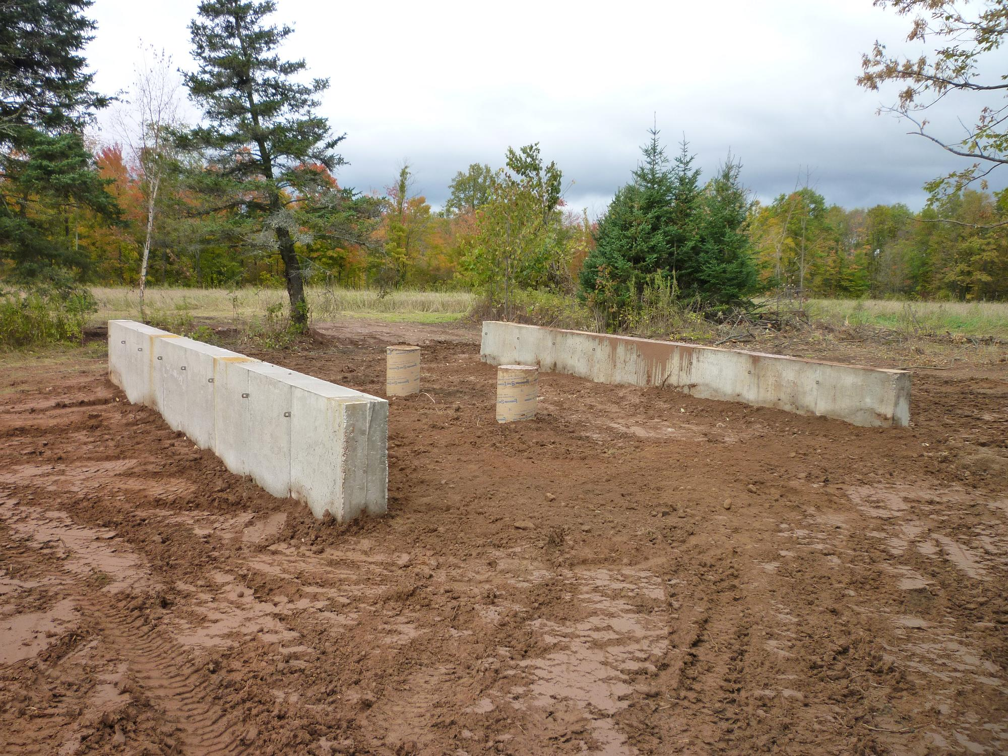 Build shed concrete pillars ~ Riversshed